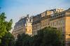 aides à l'achat immobilier neuf - Architecture typiquement bordelaise avec des façades claires et des toits foncés