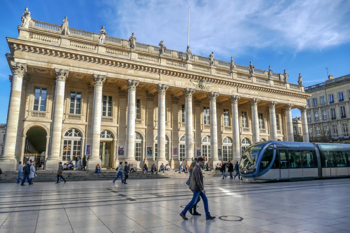 Comment négocier son prêt immobilier à Bordeaux - vue sur le Théâtre de l'Opéra à Bordeaux