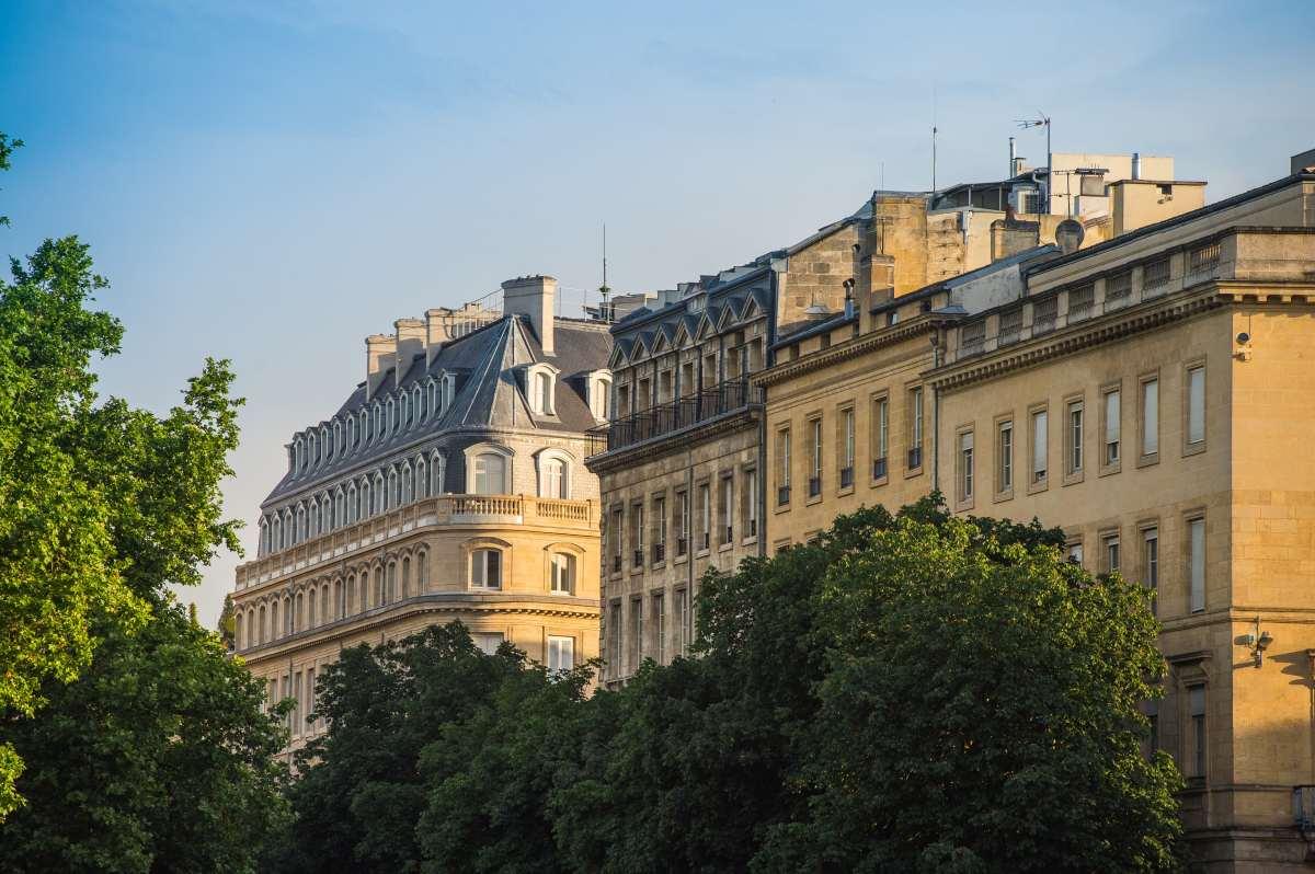 Comment investir dans l immobilier - Les toits haussmanniens de Bordeaux