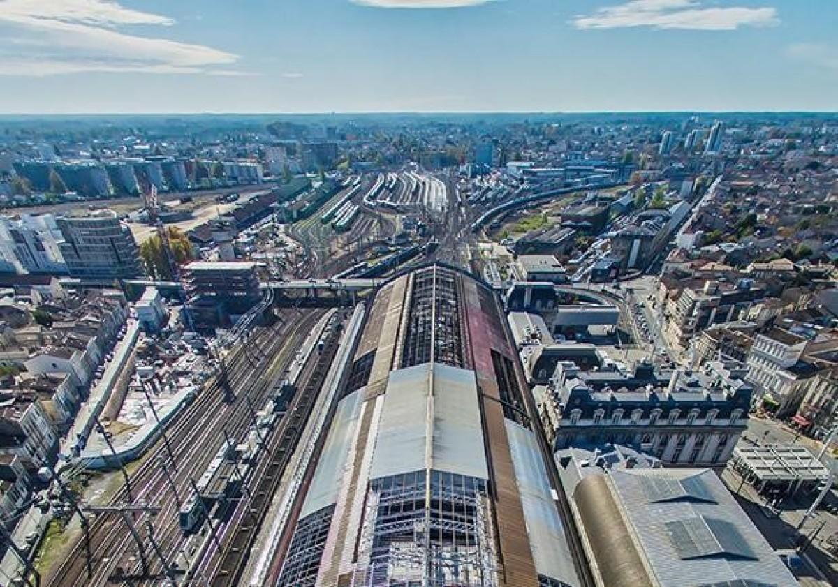 La gare de Bordeaux vue du ciel