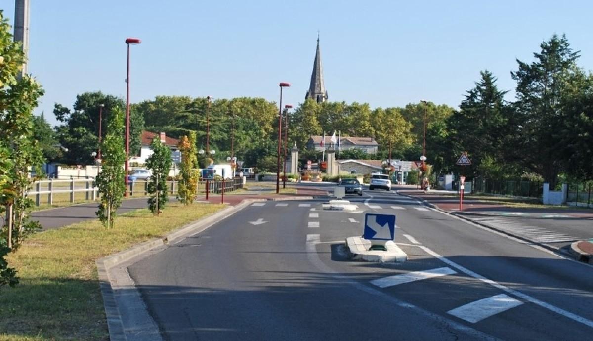 Arrivée du tram à Parempuyre