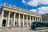 Tram de Bordeaux devant l'Opera Grand Theatre