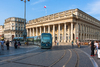 Actualité à Bordeaux - Les bordelais délaissent la voiture pour les transports en communs