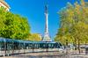 Tramway près du Monument aux Girondins à Bordeaux