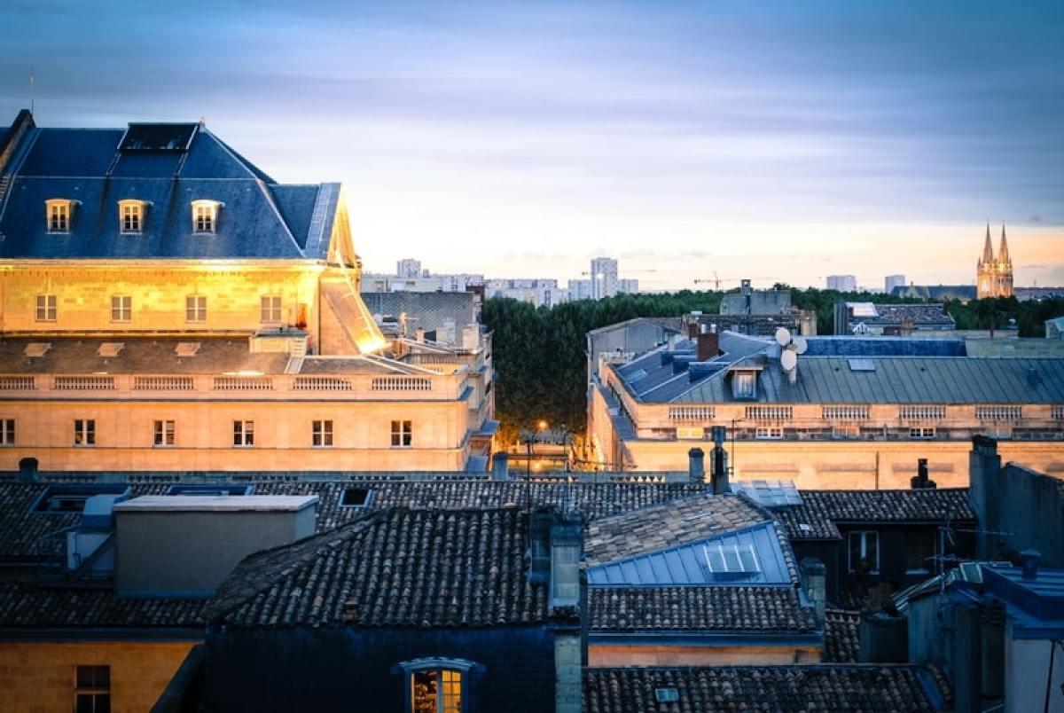 toits nuit bordeaux