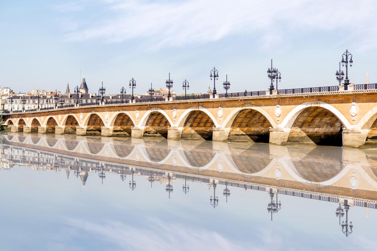 investissement locatif bordeaux loi pinel - Le Pont saint Pierre à Bordeaux