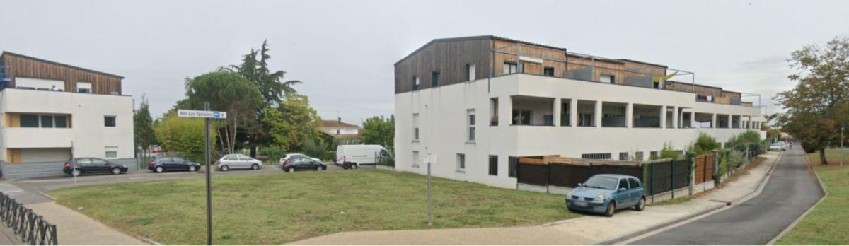 Dans la rue Pierre Mendes France, des collectifs modernes propose des appartements avec balcon à Ambarès-et-Lagrave