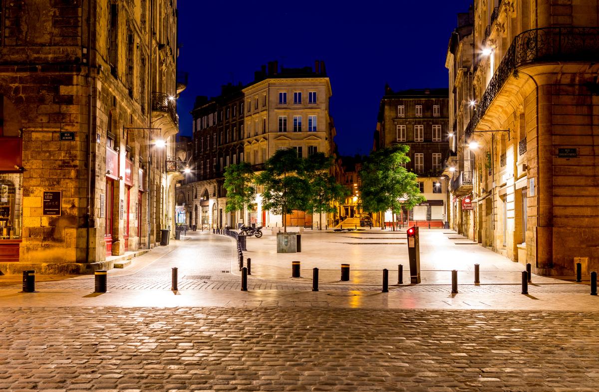 production de logements à bordeaux - La ville de Bordeaux vue de nuit