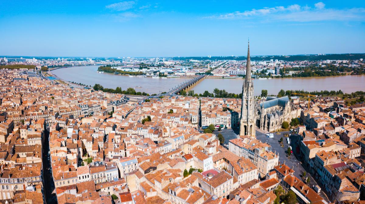 production de logements à bordeaux - Vue panoramique aérienne de Bordeaux et de la Garonne