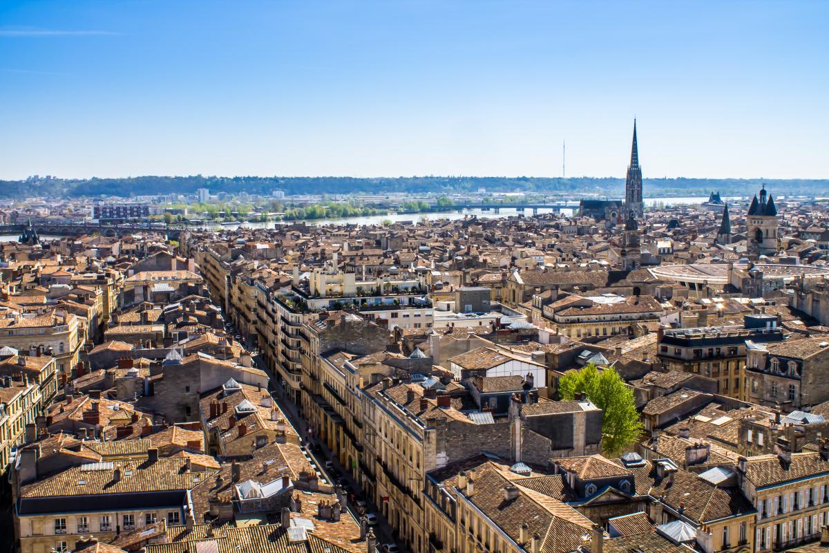 quai deschamps bordeaux - vue aérienne de la ville de Bordeaux et des quais au loin