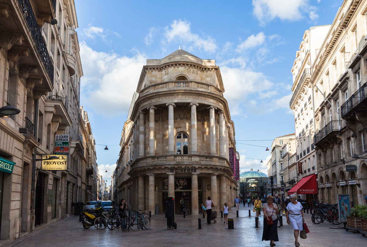 Loi Monuments Historiques – vue sur un bâtiment classé au patrimoine de l'UNESCO à Bordeaux