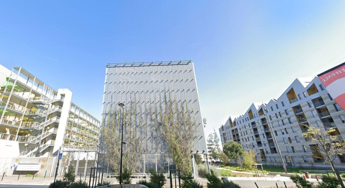 Boulevard des frères Moga à Bordeaux – vue sur des résidences neuves dans le quartier de l'Ars