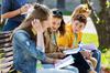 meilleures écoles – collégiens sur un banc